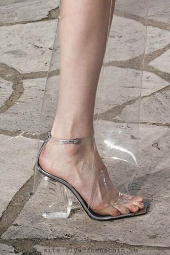 Прозрачные модные босоножки 2016 от Loewe (фото)