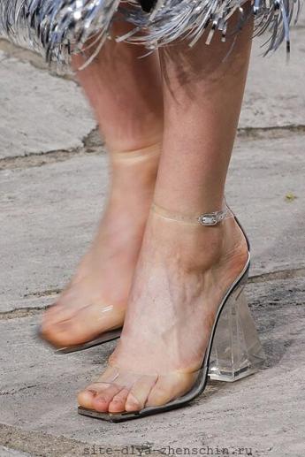 Прозрачный каблук и прозрачный верх