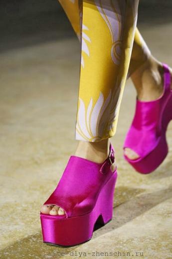 Красивые сиреневые босоножки 2016 из коллекции Dries Van Noten