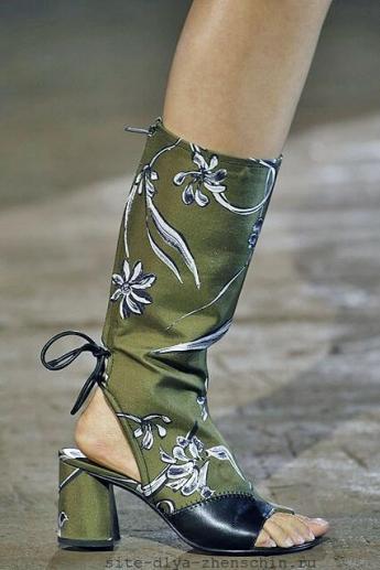 Летние сапожки с растительным орнаментом