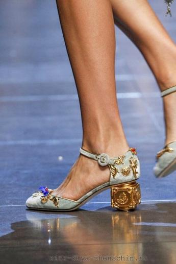 Туфли 2016 с необычным каблуком от Дольче и Габбана
