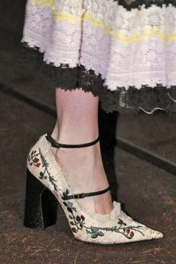 Туфли 2016 от Erdem, украшенные вышивкой (фото)