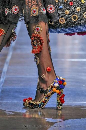 Туфли с помпонами (фото)