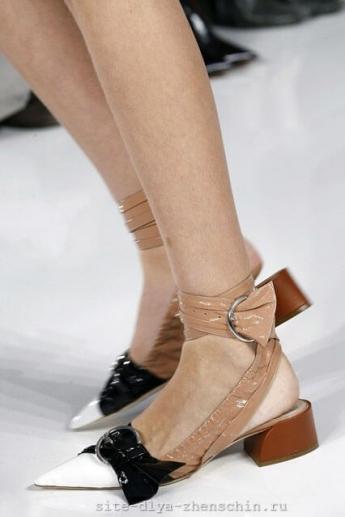 Завязки на туфлях от Christian Dior (фото)