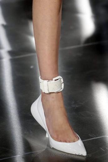 Острый мысок на туфлях от бренда Maison Margiela