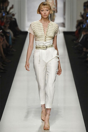 Модные белые брюки классического кроя (фото)