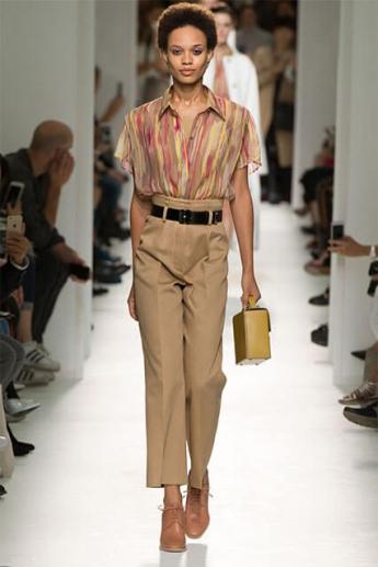 Классические брюки с высокой талией (фото)