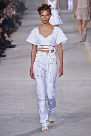 Модные белые джинсы 2017 со шнуровкой