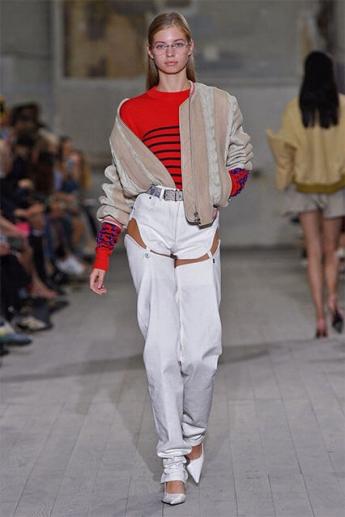 Модные белые джинсы с вырезами (фото)