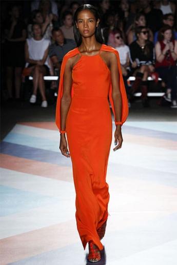Вечернее платье 2017 оранжевого цвета (фото)