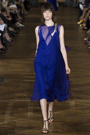 Вечернее платье 2017 синего цвета (фото)
