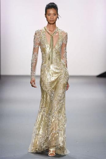 Вечернее платье золотистого оттенка (фото)