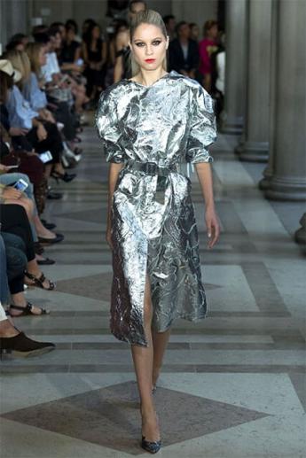 Вечернее платье миди 2017 цвет металлик (фото)