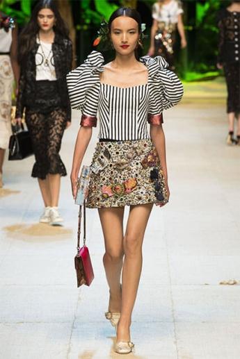 Мини-юбка с отделкой стразами от Дольче&Габбана