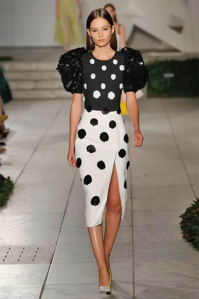 Платье в горошек (Carolina Herrera)
