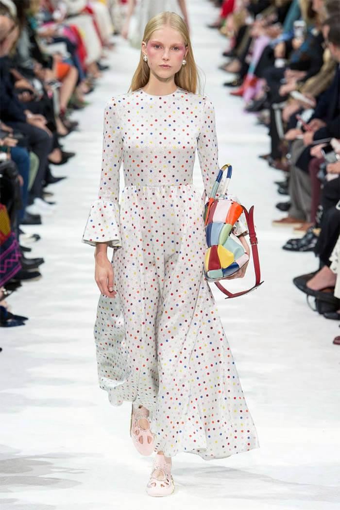 Платье в горошек 2018 (Valentino)