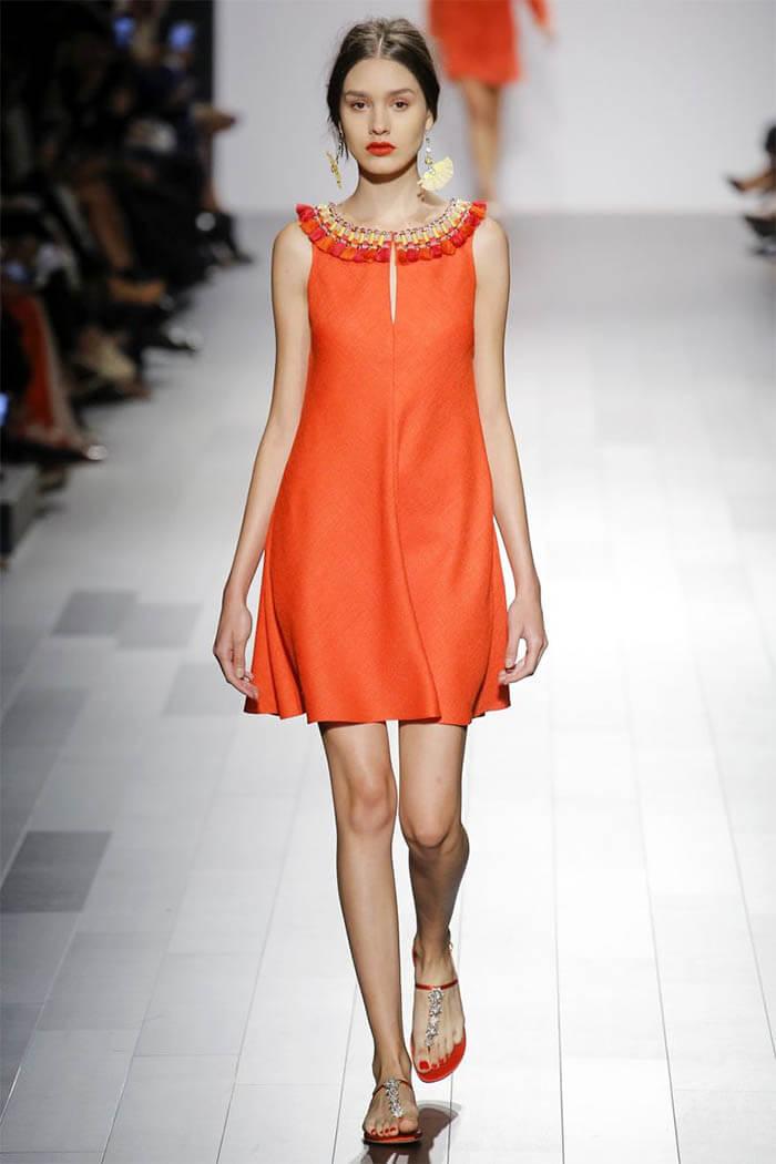 Оранжевое платье из коллекции 2018 от Badgley Mischka