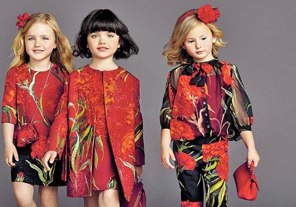 393c7d0d641c Красивое сочетание черного и красного цветов в детской одежде от  Dolce Gabbana