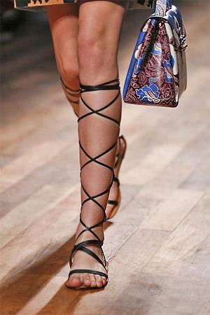 Красивые сандалии из коллекции Valentino 2015 (фото)