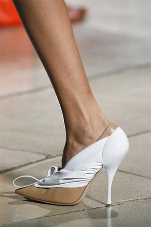 Туфли с заостренным мысом от Miu Miu (фото)