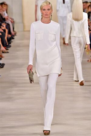 Белая туника в сочетании с брюками (фото)