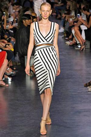 Женских платьев из тканей в полоску