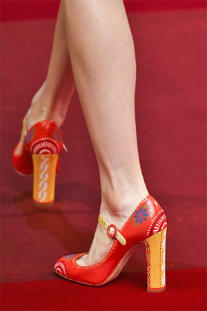 Красные туфли 2015 от Dolce and Gabbana (фото)