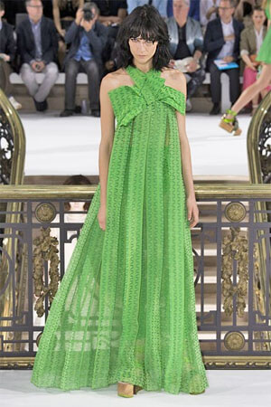 Травяной зеленый сарафан от John Galliano (фото)