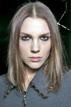 Модная стрижка каре на средние волосы (фото)