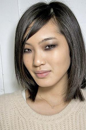 Удлиненное каре на средние волосы (фото)